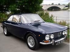Classic Chrome Alfa Romeo 2000 Gt Veloce Gtv 1972 K Blue