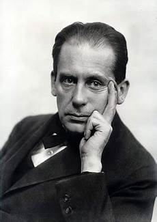 walter gropius the ideas man who founded the bauhaus
