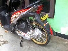 Modifikasi Honda Beat Fi Velg 17 by Modifikasi Honda Beat Putih Velg 17 Holidays Oo