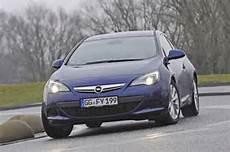 Der Neue Kia Cee 180 D Gt Im Test Rotierende Seiten - vergleich kia pro cee d opel astra vw scirocco autobild de