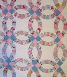 double wedding ring quilt with outer border sold rennels quilts