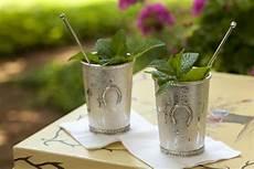 classic bourbon mint julep cocktail recipe