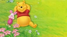 winnie pooh malvorlagen jepang wallpaper winnie the pooh dan piglet bersantai gambar