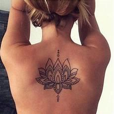 Rücken Mandala - geometric lotus floral flower back spine