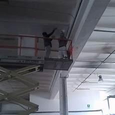tinteggiare il soffitto piattaforma elevatrice industriale guida informativa