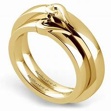 matching curled heart wedding ring in yellow gold
