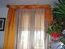 fiori per tende tende arricciate su bastone con drappeggi in seta su