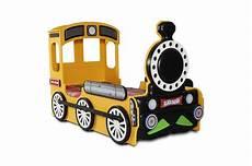 kinderzimmer bett kinderbett lokomotive blau gr 252 n rot gelb