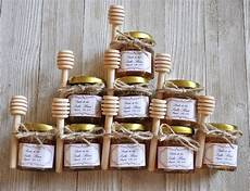 festive fall wedding favor ideas your guests will love