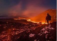 Gunung Meletus Traveler Ini Malah Foto Foto Lahar