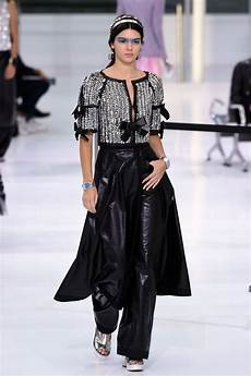 chanel ss16 fashion show and spring 2016 collection pictures
