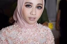 Jilbab Segi Empat Laudya Chintya Model Terbaru
