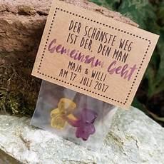 Kleine Geschenke Für Hochzeitsgäste - gastgeschenk hochzeit fruchtgummi kraftpapier hier findet