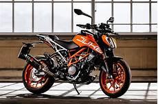 ktm 390 duke 2018 2017 ktm 390 duke ride review rider magazine