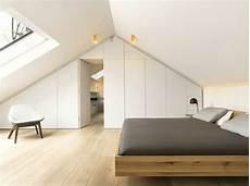 armoire sous comble 1001 id 233 es d 233 co de chambre sous pente cocoon chambre mansard 233 e chambre sous pente et chambre