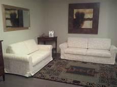 divani scontati coppia divano classico divani a prezzi scontati