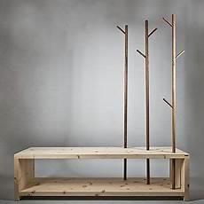 Garderobe Zum Aufhängen - garderobe aus holz sitzbank mit stilisierten b 228 umen zum