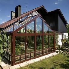einfamilienhaus zweistoeckiger wintergarten mit satteldach wintergarten nahe forchheim baumann wintergarten