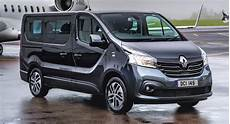 Renault Trafic 2018 - renault trafic spaceclass launches in the uk as a high end