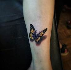 Schmetterling Arm - 169 meaningful butterfly tattoos ultimate guide november