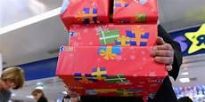Papiers Cadeaux Emballages En Plastique Les Astuces