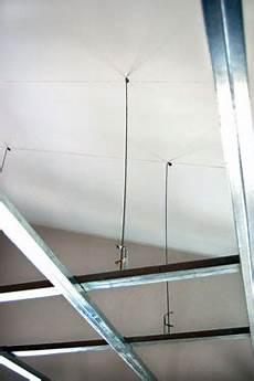 struttura cartongesso soffitto controsoffitto di cartongesso sospeso con faretti