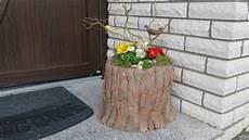 blumenkübel selber dekorieren fr 252 hling ostern deko mit blumen dekoration vor der