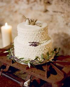 30 Wedding Cakes We Re Loving For Fall Wedding Season