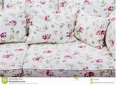 sofa mit blumenmuster deutsche dekor 2019 wohnkultur