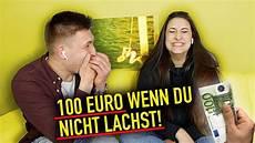 wenn sie lacht sie bekommt 100euro wenn sie nicht lacht urgeon