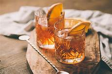 bottlesxo five strong simple whisky cocktail recipes