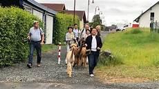 senioren wg bauernhof japaner besuchen senioren wg im westerwald koblenz swr
