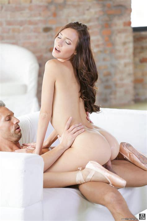 Naomie Harris Hot