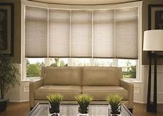 Window Treatment Options by 25 Best Ideas About Bow Window Curtains On