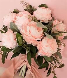 pink diy paper peony wedding bouquet weddingomania