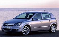 Opel Astra Hatchback 2004 2007 Reviews Technical Data
