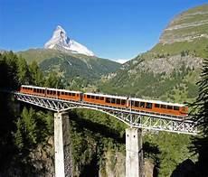treno a cremagliera svizzera da zermatt con la ferrovia a cremagliera pi 249 alta d europa