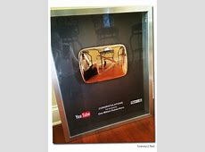 Tommy2.net Megan and Liz receive Gold Play Button from