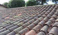 nettoyer toit comment nettoyer une toiture en tuiles canal