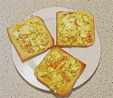 feta mit ei und tomaten auf toast sertaybor chefkoch de