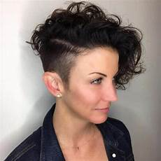 50 wavy curly pixie cut ideas for all face shapes styles hair motive hair motive