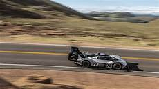 dumas sets new pikes peak record of 7 57 148 with
