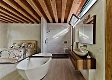 Badewanne Im Wohnzimmer - romantisches design mit einer badewanne im schlafzimmer