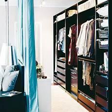 Begehbarer Kleiderschrank Mit Vorhang - die besten 25 kleiderschrank mit vorhang ideen auf