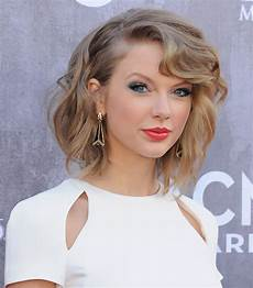taylor swift hair taylor swift s hair and makeup at the acm awards 2014 popsugar beauty