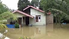 Diguyur Hujan 8 Jam Ribuan Rumah Terendam Banjir