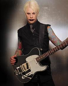 john5 former marilyn guitarist now on tour with rob amazing and radically