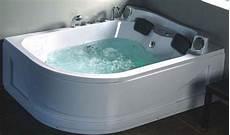 misure vasche idromassaggio 5 consigli per scegliere la vasca idromassaggio deabyday tv
