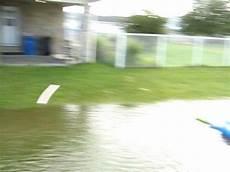 produit miracle eau verte piscine abri piscine spa gonflable montage www domecreation