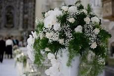 fiori per matrimonio addobbo floreale in chiesa matrimonio fiori per